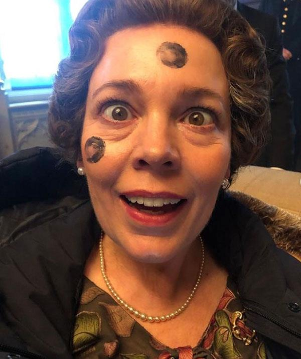 """""""Choose your ibble-dibble fighter 🔥,"""" Olivia Colman mused."""