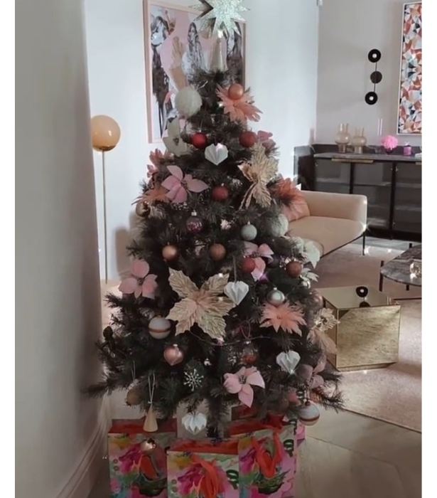 **Bec Judd**<br> Bec's pretty in pink tree even comes with matching gift wrapping for her presents.