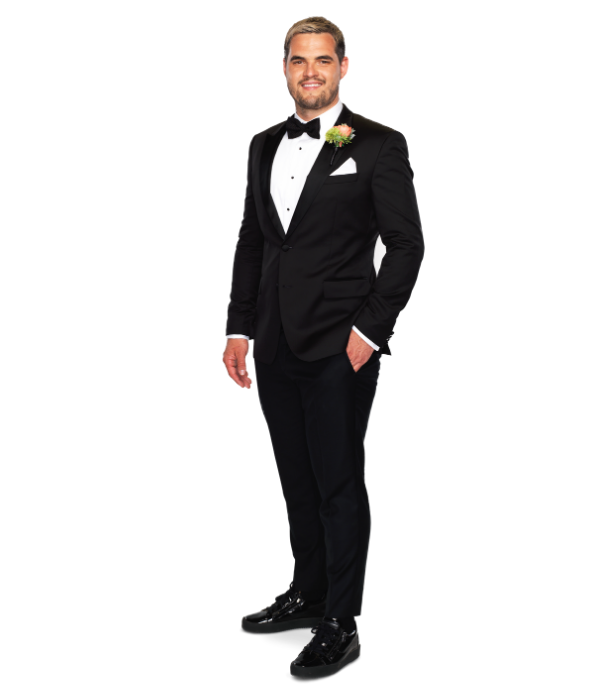 **Sam, 32, VIC** <br><br>  Sam is a confident go-getter who is sarcastic, outspoken and calls a spade a spade. While working in construction, he is also pursuing his dream of launching two fashion labels on the side.