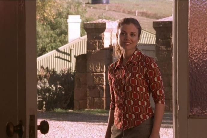 Main characters and sisters Tess and Claire McLeod resided in the gorgeous country house of Drover's Run.