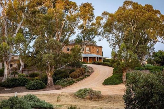 The gorgeous estate of Drover's Run is actually called Kingsford Homestead.