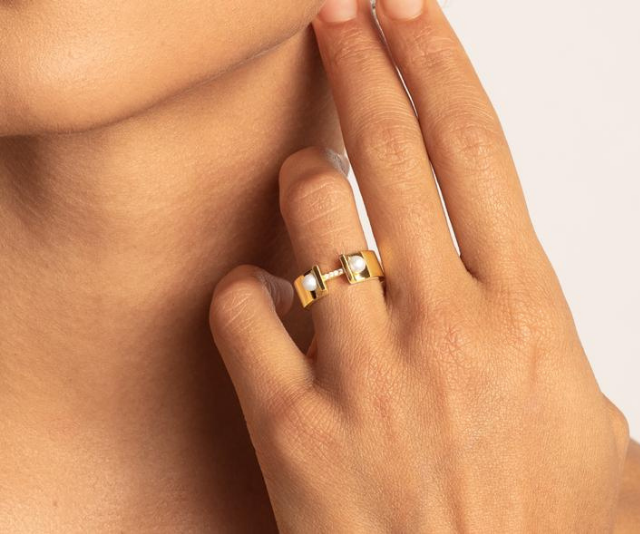 """We're OBSESSED with this [Pearl power chunky ring, $99.](https://medleyjewellery.com.au/collections/rings/products/cz-cfwp-ring