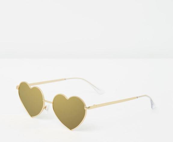 "Show love who's boss in these Quay Australia heart breaker sunglasses, $60. **[Buy them online here](https://www.theiconic.com.au/heart-breaker-601359.html|target=""_blank""|rel=""nofollow"")**"