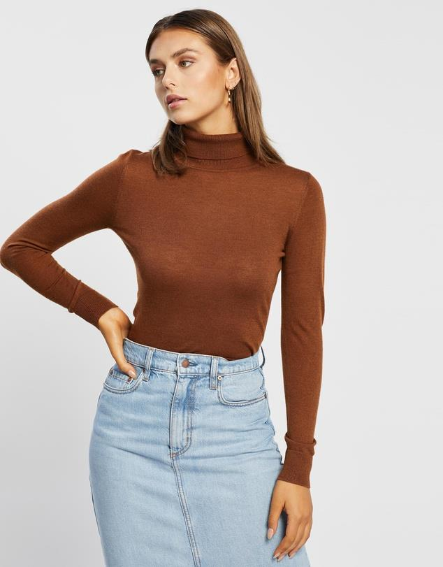 """Atmos&Here Kate Turtle Neck Knit in colour coffee, $49.99. **[Buy it online here](https://www.theiconic.com.au/kate-turtle-neck-knit-1148402.html target=""""_blank"""" rel=""""nofollow"""")**"""