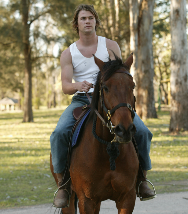 We can't recall *exactly* why Kim was riding a horse but we're sure there was a valid Summer Bay-esque reason.