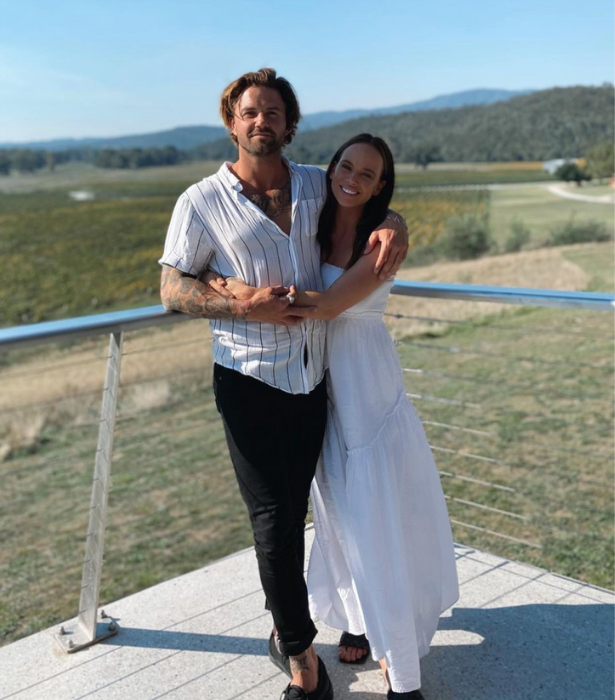 """** Bonnie Anderson** <br><br>  *Neighbours* fave Bonnie spent the weekend away [with her new beau, Matthew.](https://www.nowtolove.com.au/celebrity/neighbours/bonnie-anderson-boyfriend-67276 target=""""_blank"""")"""