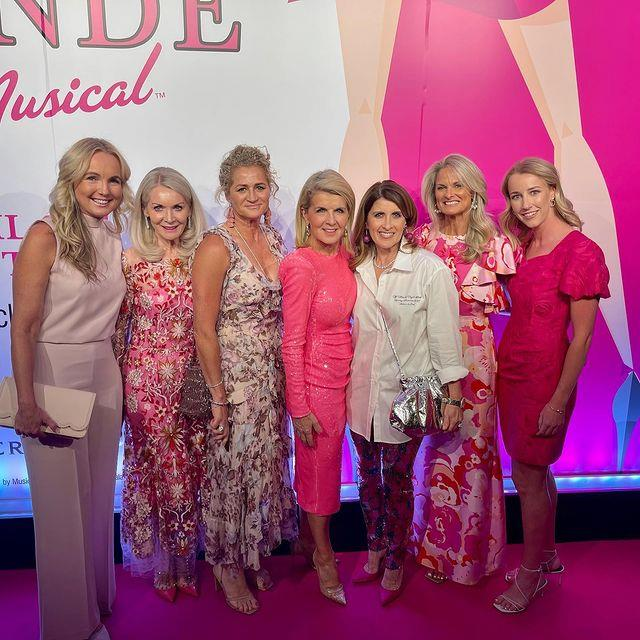 Julie Bishop shared a gorgeous photo with her girlfriends in pink.