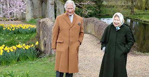 Rare new photo of The Queen and Prince Charles