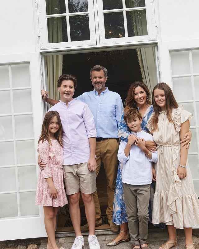 """In 2020, Mary, Frederik and their four children shared [a beautiful photo shoot at their summer residence, Gråsten Palace](https://www.nowtolove.com.au/royals/international-royals/frederick-mary-family-photos-summer-65094