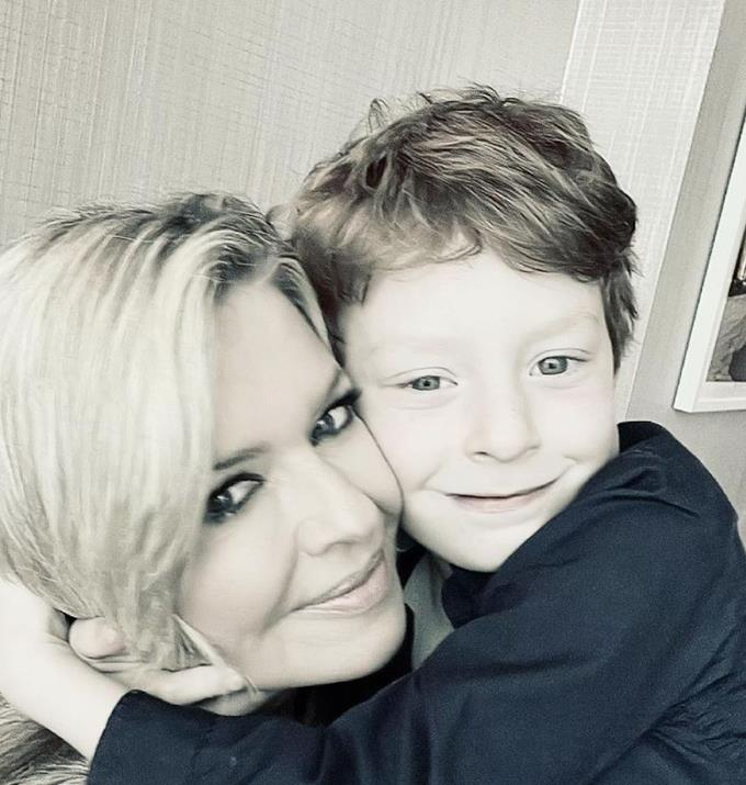 """**Emily Symons, 51** <br><br> The *Home and Away* actress became a mother for the first time a week before her 46 birthday. She gave birth to a son who she named Henry.  The actor was candid about her fear that she would not be able to become a mother due to her age, and in her pregnancy announcement, she revealed that after [trying everything to get pregnant](https://www.nowtolove.com.au/celebrity/celeb-news/emily-symons-ray-meagher-son-67506