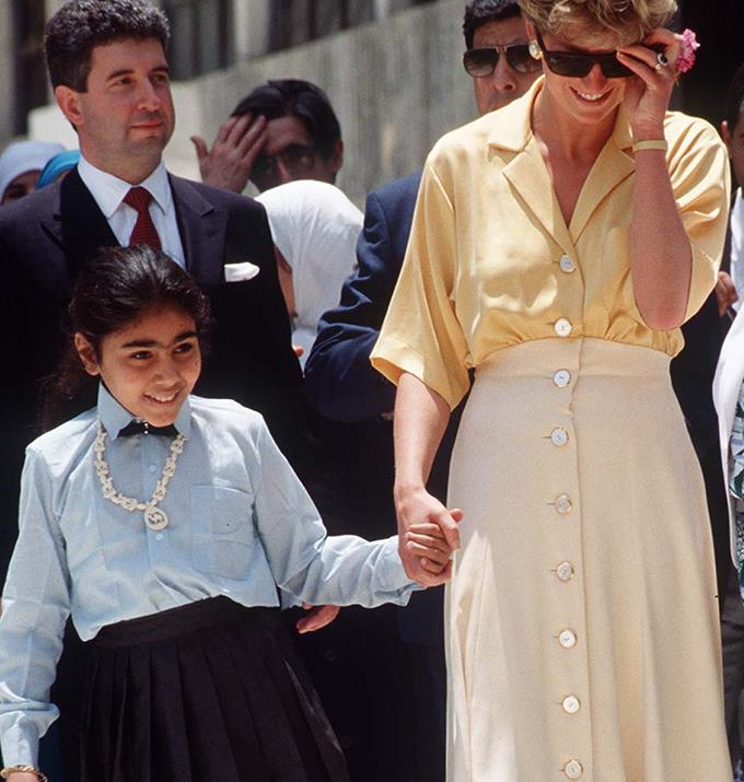 This linen outfit that is the colour of the sun, was a perfect choice for Diana's time in Cairo, Egypt. If only one could book a flight to Egypt to replicate this ultra laid back but Casablanca movie-inspired outfit.