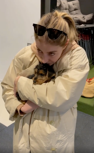 """""""When Bec met Henri 🐶❤️,"""" Andy captioned the video. He explained: """"We've been waiting for this pup for a long, long time. I've known it was arriving today for about 4 months. Rapt to have kept the secret and so pleased @rebeccalharding was delighted to meet Henrietta rather than saying 'what did you get that for? I'm into cats now!'"""""""