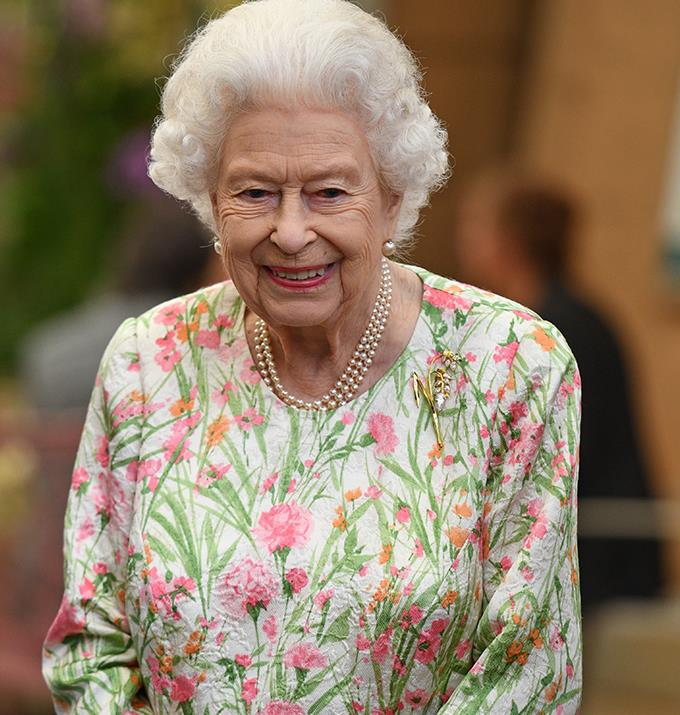 A true brooch lover, Queen Elizabeth wore this Botswana Milet Brooch at the 2021 G7 Summit. The piece features yellow gold and 11 pear-shaped diamonds, and it's been speculated that she wore the brooch as an ode to Meghan and Harry, who have ties to the country of Botswana.