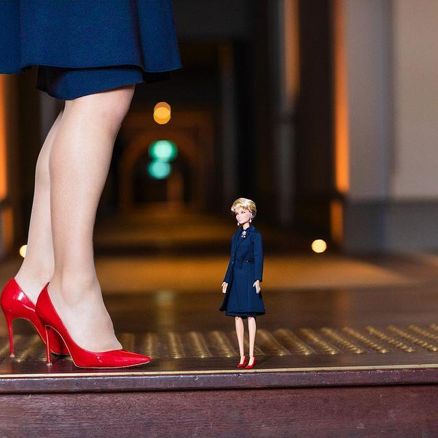 And you can't mistake those iconic red shoes!