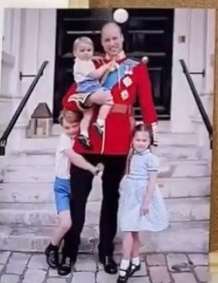 The Cambridges included this adorable unseen pic of the family from 2019.