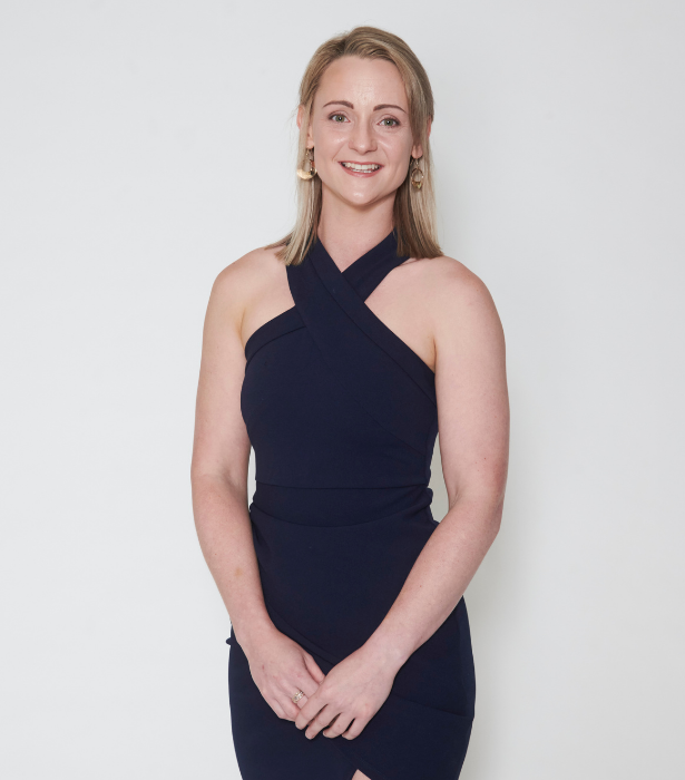 **Dating: Farmer Andrew<br>** Tara, 26, NSW