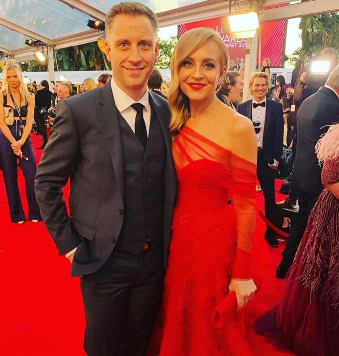 Chris and Carrie rocking the red carpet.