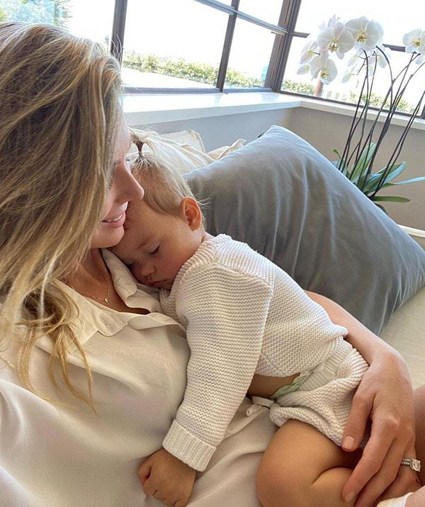 """Someone is all tuckered out. Jen shared this low-key mum moment to Instagram with the caption """"The deepest love."""""""