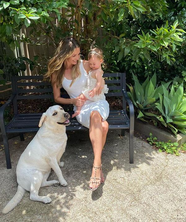 """It looks like Frankie inherited her mum's chic fashion sense too. The star said on social media that her bond with her baby girl is """"a love like no other!"""""""