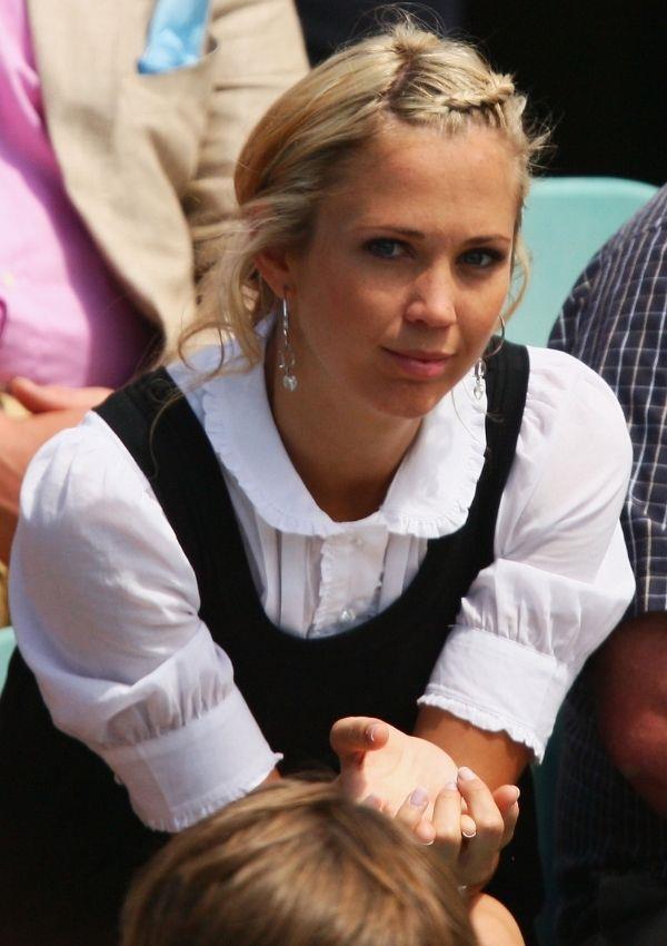 **Bec Hewitt, 2008** <br><br> Bec wore this gorgeous shirt layered under a black dress to watch her beau Lleyton Hewitt play tennis at Wimbledon.