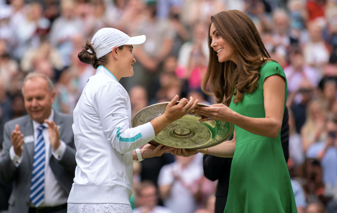 Kate presented Ash Barty with the Venus Rosewater Dish.