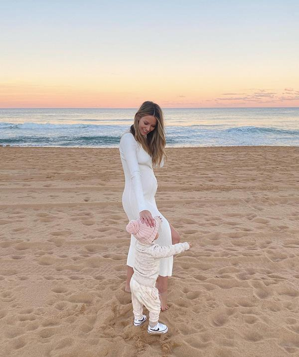 The soon to-be mum-of-two shared some adorable updates on her pregnancy, posting a set of photos of her and Frankie enjoying sunset at the beach. Wearing a white dress, Jen's bump was clearly visible in the snaps and fans were loving her pregnancy glow. Frankie was wearing a colour-coordinated outfit and Jen opened up about being pregnant while also having a toddler.