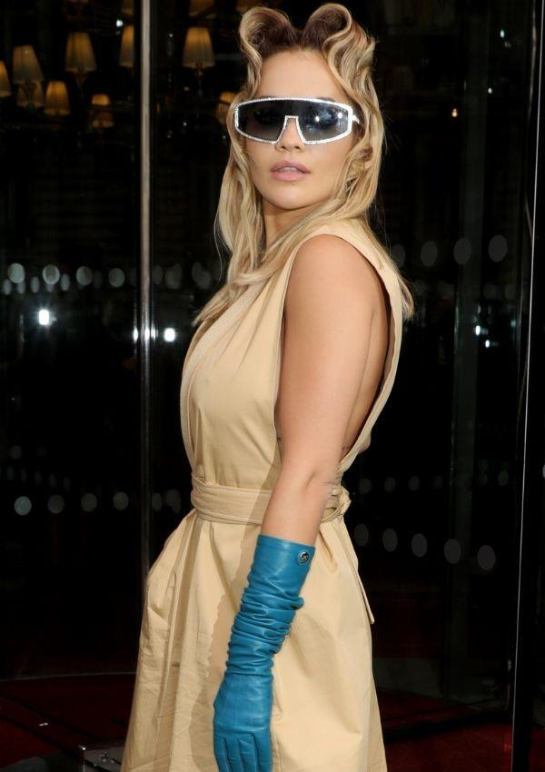 **Paris Fashion Week Womenswear, 2020/21** <br><br> She looks like a badass in this futuristic and romantic outfit.
