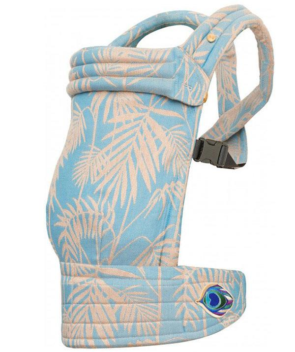 """**For the stylish new dad:** He might be sleep deprived but that doesn't mean he can't look good while trying to soothe his baby! The Artipoppe carrier is a chic, contemporary and unisex baby carrier with a modern and minimalistic design that mum can also use.  <br><br> *Zeitgeist Baby Hawaii Paradise, Artipoppe, $775, [shop it here](https://shop.artipoppe.com/zeitgeist-baby-carrier/1233-zeitgeist-baby-hawaii-paradise