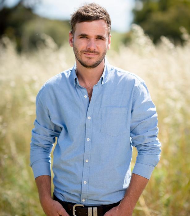 Is Farmer Matt single again?