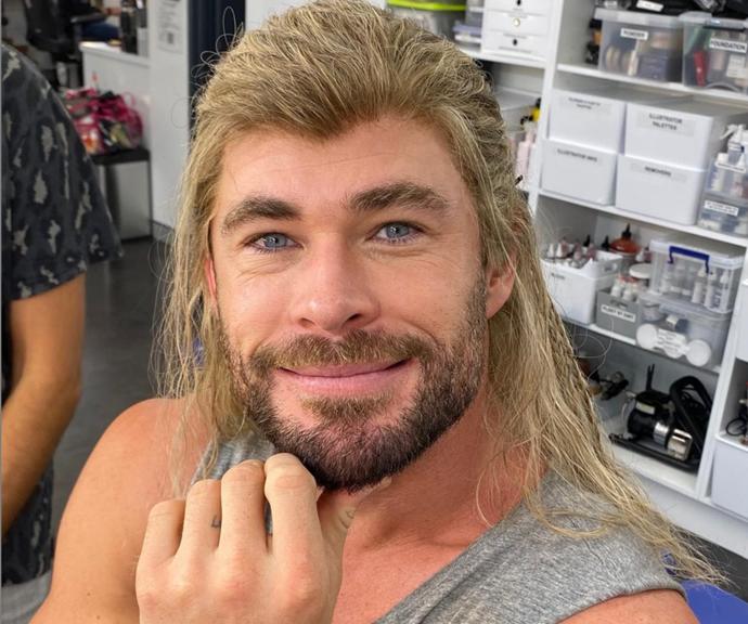 Chris strikes a pose on-set as Thor.