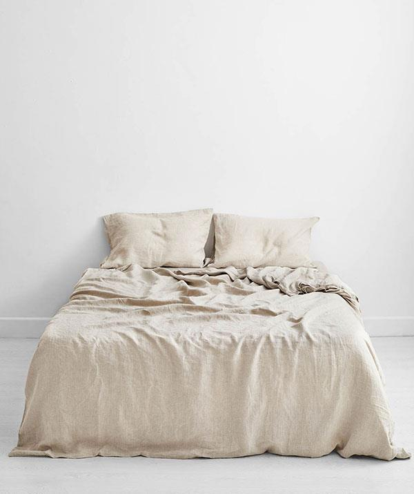 """**For the dad who loves a cheeky nap:** With snap lockdowns the new norm, the sanctuary of bed brings a whole new meaning in 2021. We love this buttery soft French flax linen set in Oatmeal from Bed Threads. It comes with two pillowcases, a doona cover and a fitted sheet.  <br><br> *Oatmeal 100% Flax Linen Bedding Set, Bed Threads, [shop it here](https://go.skimresources.com?id=105419X1569321&xs=1&url=https%3A%2F%2Fbedthreads.com.au%2Fproducts%2Foatmeal-flax-linen-bedding-set%3Fvariant%3D34933946450054
