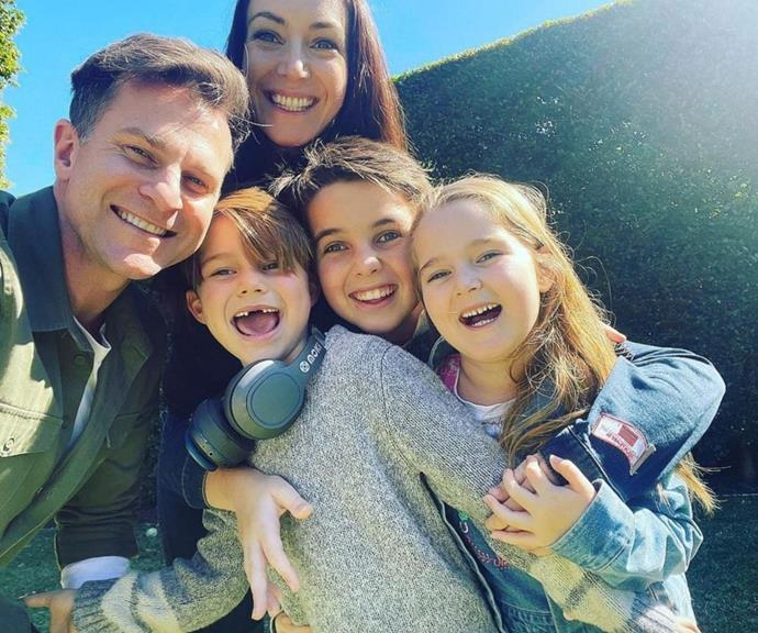 There is never a dull moment in the Campbell-Hewitt family. This sunny selfie has us feeling all the love!