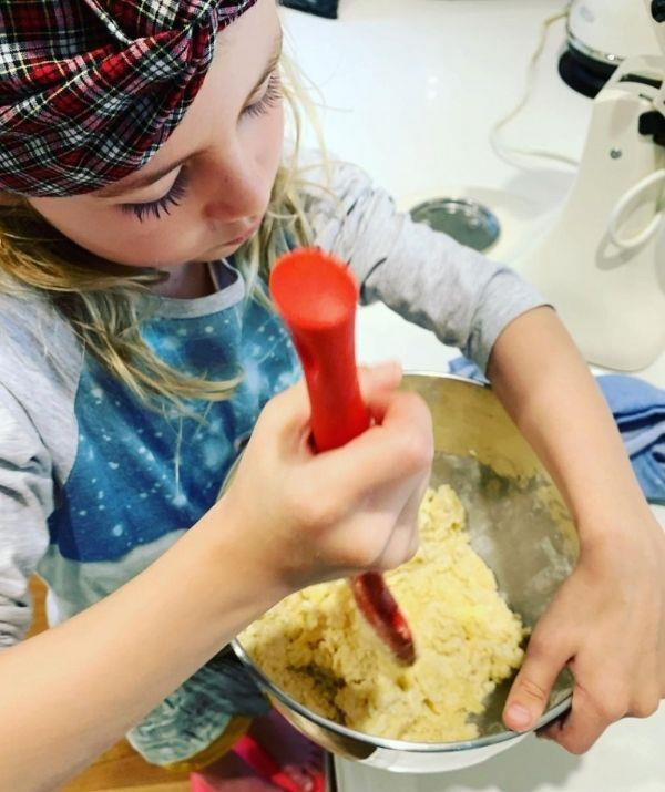 """The mother-daughter duo have spent much of lockdown baking up a storm. """"Making shortbread with serious concentration,"""" Kate captioned this pic."""