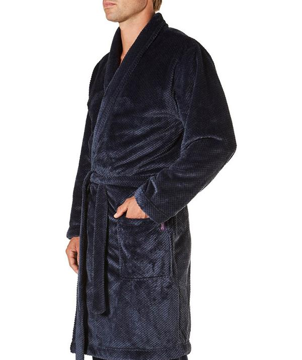 """**[Fleece robe](https://fave.co/3kJRogg