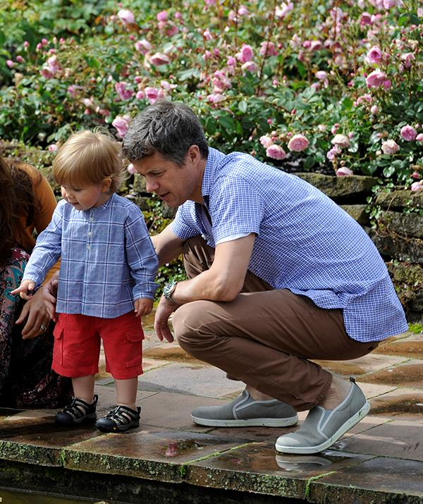Here he spends a quiet moment with little Prince Vincent gazing into a pond.