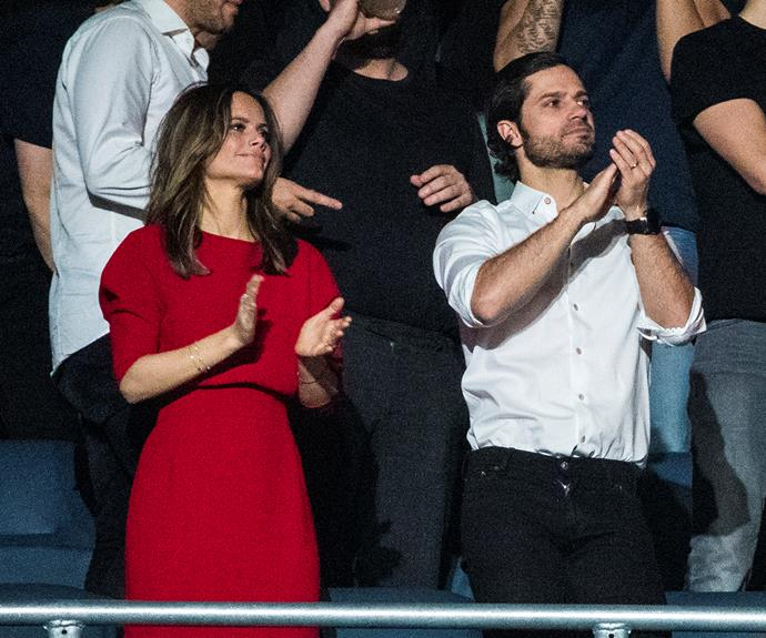 Between royal engagements and family life, Prince Carl Philip showed us that he can rock a casual look too, making a plain white button up look like high-end fashion.