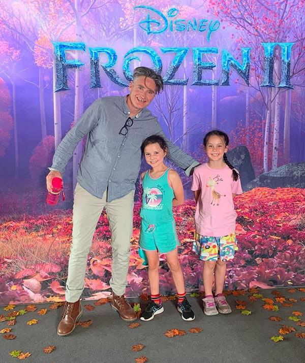 There are perks to having a famous dad, as Sadie and Tess discovered when Hughesy took them to the *Frozen II* premiere in 2019.