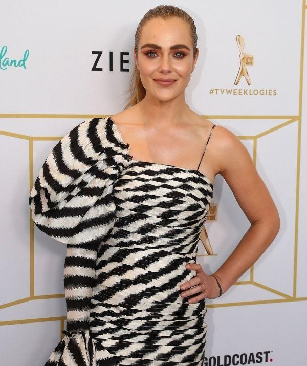 """**Jessica Marais** <br><br> *The Love Child* star has talked openly about having depression and bipolar disorder, and why mental health struggles shouldn't define people.  <br><br> """"Your struggles are what makes you stronger and you shouldn't be defined by them,"""" she told the *Confidential on Nova* radio show in 2016. <br><br> """"I have a personal way of coping with struggles, the same way that anybody else does, and I don't think that anyone should be defined by that. Also, there are periods of your life that you can go through something and you can move past them..."""""""