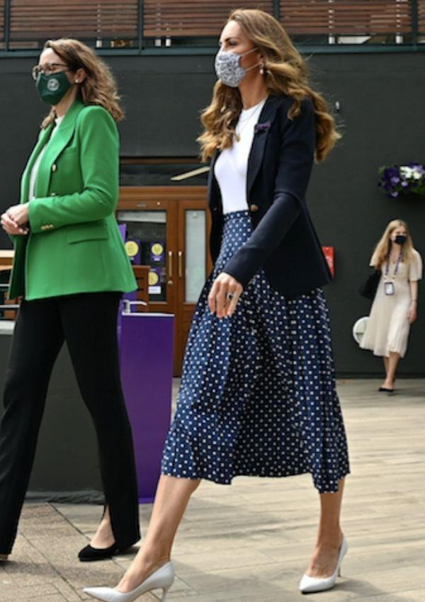 Here is Kate in THAT midi-skirt. It's devastatingly chic and would look entirely at home on the runway in Milan.