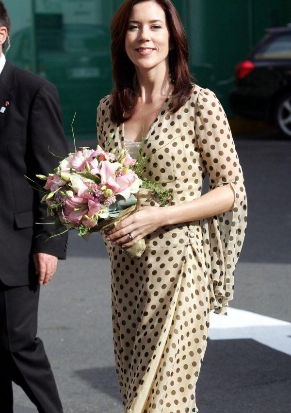In 2005, during a royal visit to her home town Hobart, Mary wore this yellow and brown polka dot dress. It may be worlds away from her 2021 look, but it's still a unique take on the eternal trend.