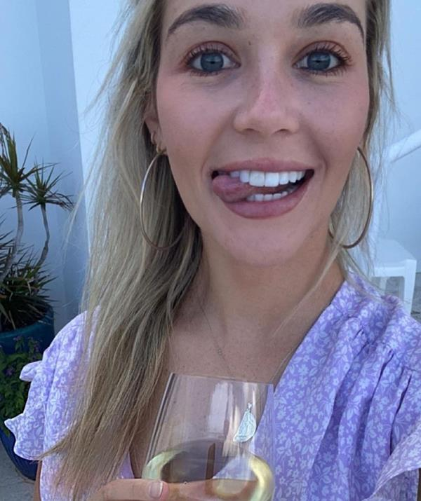 """Former Bachelor star Helena Sauzier has announced she's given up alcohol after years of """"feeling flat"""" while drinking."""