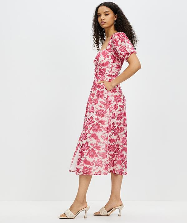 """[Shop the **Stevie Midi Dress** here for $109.](https://fave.co/3tWz2gd target=""""_blank"""" rel=""""nofollow"""")"""