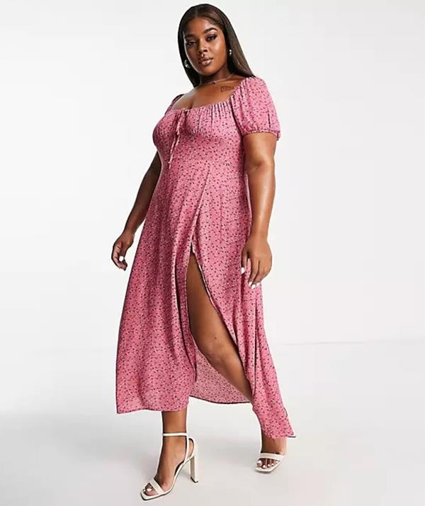 """[Shop the **In The Style Plus x Billie Faiers sweetheart bust midi dress** here for $76.](https://fave.co/3AnibWp target=""""_blank"""" rel=""""nofollow"""")"""