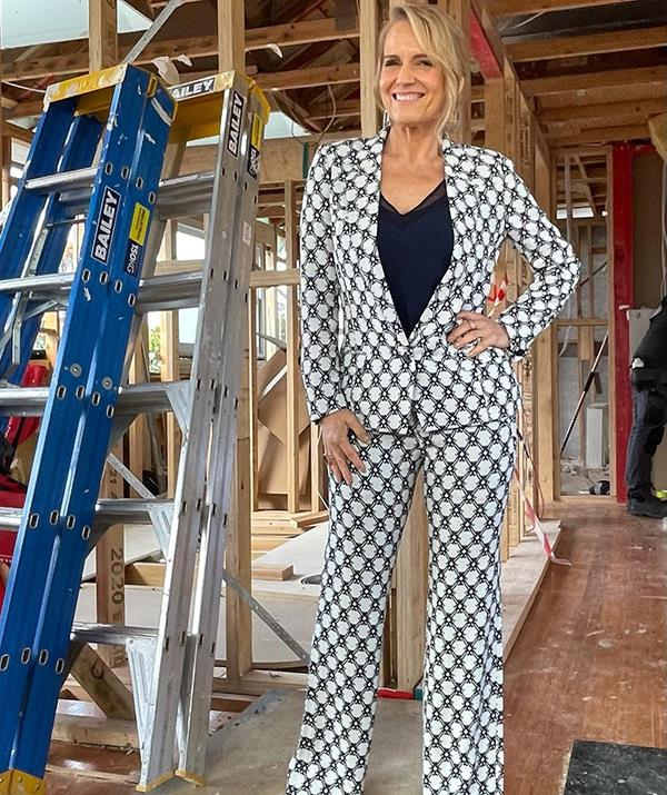 After absolutely killing it in her fuchsia pink pant suit, it's no wonder Shaynna again opted for this Isabel Marant blazer and pant set for a recent *Block* room reveal. <br><br> The interior design mogul paired the tailored suit with a Ted Baker cami, Edward Meller heels and delicate jewellery by House of Kdor.
