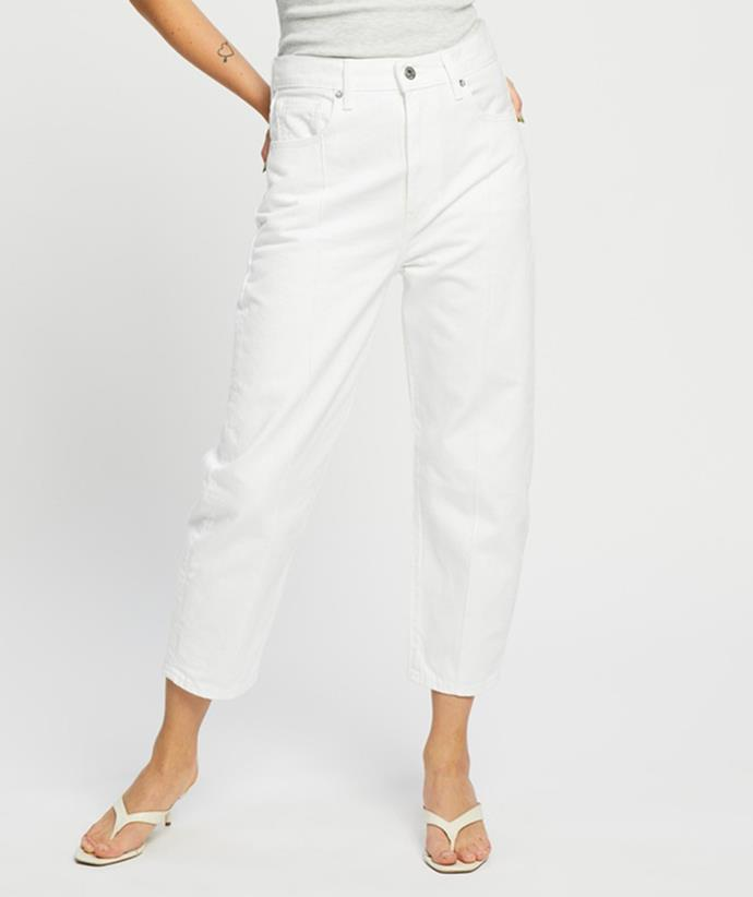 """Shop the baggy jeans trend: [Levi's Made & Crafted Lmc Barrel Jeans, on slae for $155.97, from The Iconic.](https://fave.co/3BiGuFC