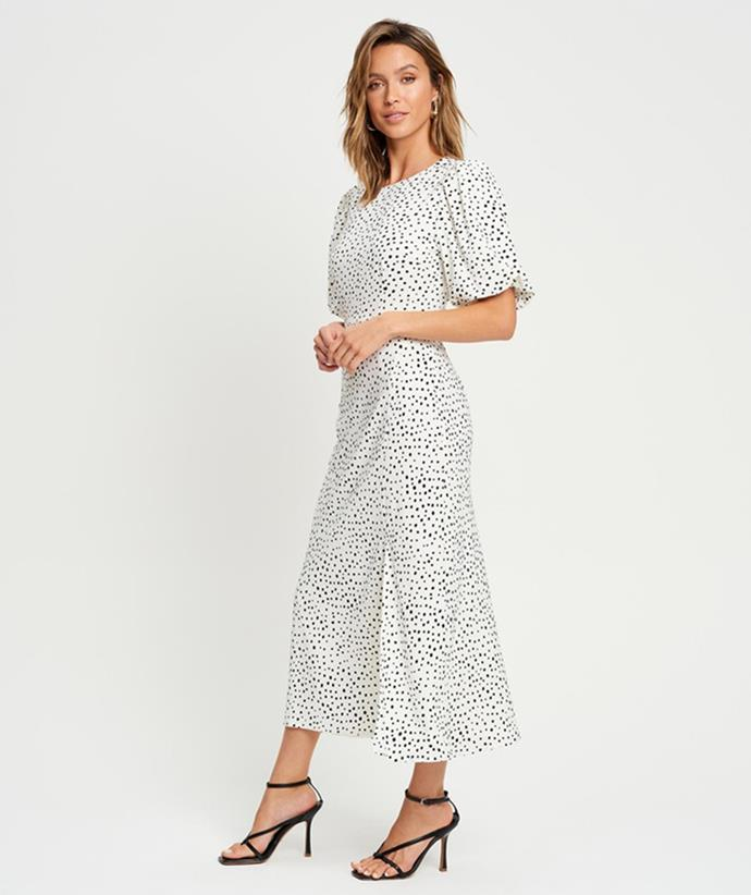 """[Savel Sadie Maxi Dress, on sale for $77, from The Iconic.](https://fave.co/3BiwYlQ target=""""_blank"""" rel=""""nofollow"""")"""