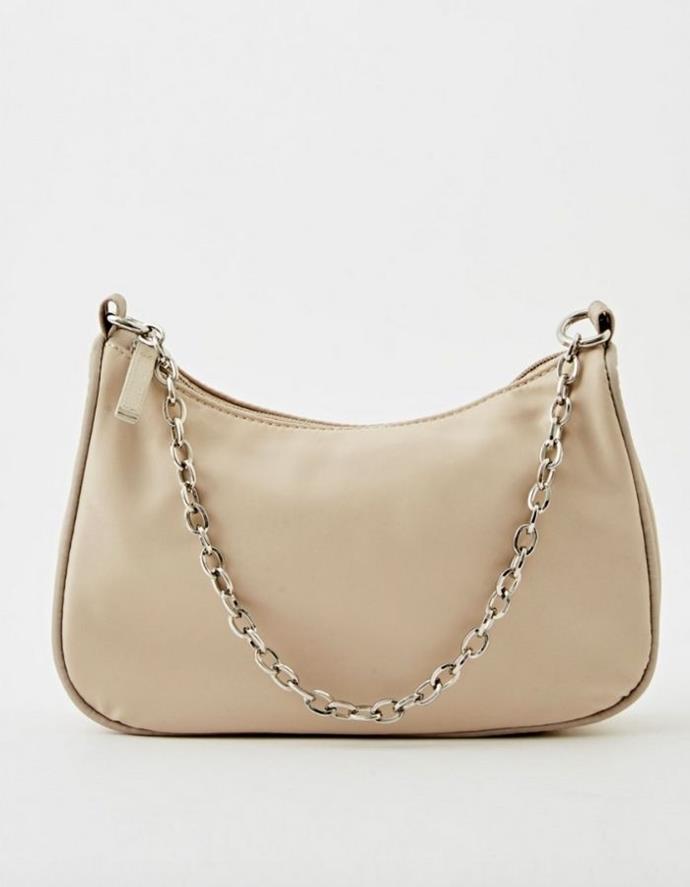 "Chain Strap Bag, $29.99, [Glassons.](https://go.skimresources.com?id=105419X1569321&xs=1&url=https%3A%2F%2Fwww.glassons.com%2Fp%2Fchain-strap-bag-bg49412bag-stone target=""_blank"")"
