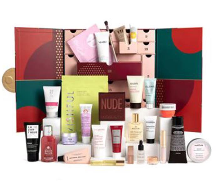 """[**Feel Unique**](https://row.feelunique.com/p/Feelunique-Beauty-Advent-Calendar?utm_source=awin&utm_medium=affiliate&utm_campaign=Skimlinks&awinid=22781&awc=22781_1633476823_0dd92767de14d45d75443a8618c82c94 target=""""_blank"""") <br><br> Worth over $700, but yours for just $218.96, the 2021 Feel Unique beauty advent calendar is packed to the brim with 27 indulgent treats.  <br><br> The bundle offers a luxurious mix of new and iconic products from Charlotte Tilbury, Emma Hardie, ELEMIS, Aromatherapy Associates and more."""