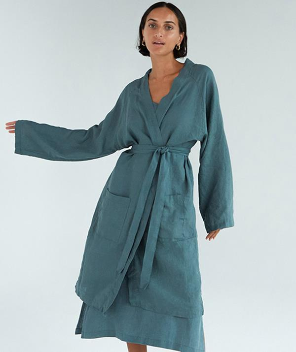 """[**Linen robe**](https://bedthreads.com.au/products/100-french-flax-linen-robe-in-petrol?variant=32404037992495&dfw_tracker=62795-32404037992495&gclid=Cj0KCQjwwY-LBhD6ARIsACvT72MlPQmPEFO45OtUor8Cfii4VvwDmO0skI13gYsFWZlMJAEZciXq7pUaAmsGEALw_wcB target=""""_blank"""") <br><br> We might be heading into the warmer months, but a lightweight linen robe is the perfect lounging essential that can be worn throughout the silly season. <br><br> Luxury sleep retailer Bed Threads has perfected their signature 100% French Flax Linen Classic Robe. <br><br> The robe features a midi length, waist tie, and wide-fit sleeves and is perfect for layering over other sleepwear. Better yet, it's unisex so can be purchased for the special man or woman in your life.  <br><br> The $100 robe comes in a range of colours, including olive, white, rust, oatmeal, pinstripe, lavender and khaki."""