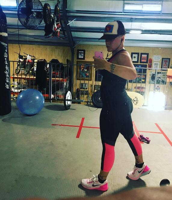 Pink posted an image of her working out at the gym